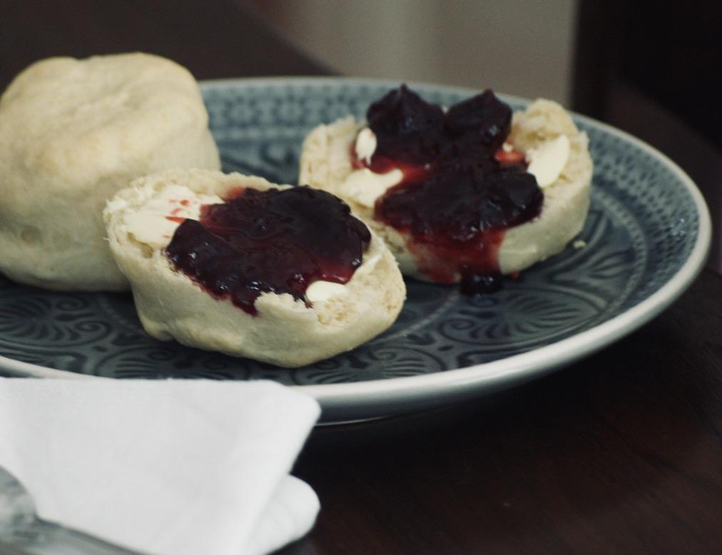 dinkel-scones-mit-dinkelmehl-und-ohne-zucker-und-ohne-milch