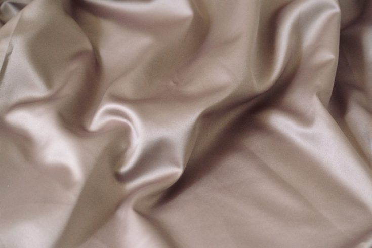 elegante-bluse-stoff-seidensatin