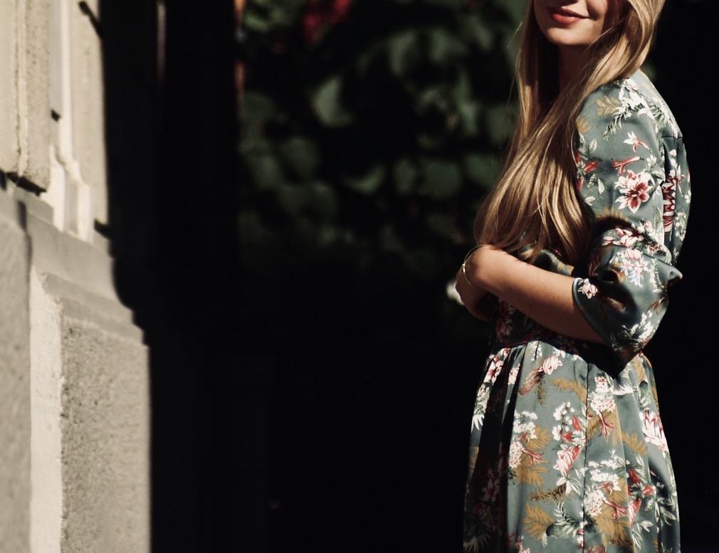 aermel-und-seitenansicht-kleid-aus-georgette-selbstgemacht
