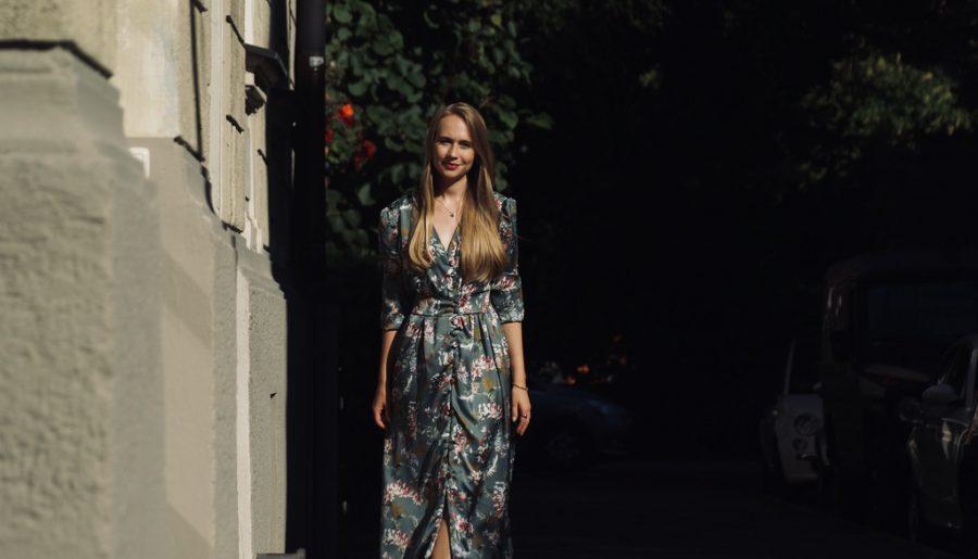 kleid-aus-georgette-blumenkleid